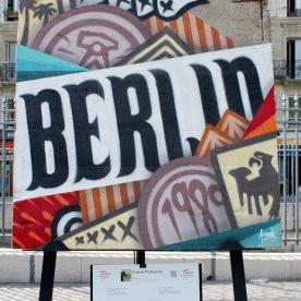 Franck Pellegrino (France) «Evasion» Tous les symboles de Berlin, fixés à la bombe sur ce débris carcéral, au poignet de l'humanité.