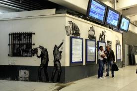 Levalet (en remontant vers le métro)