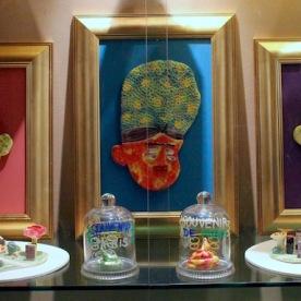 Céramiques en vitrine