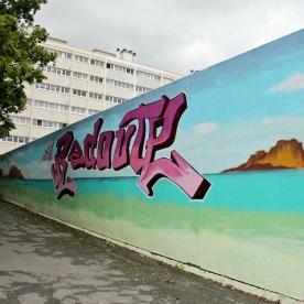 Quartier La Redoute, fresque réalisée par les enfants du quartier et Papa Mesk