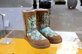 IZa Zaro customise des Ugg