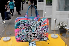 Jo di Bona customise un sac Paul Smith