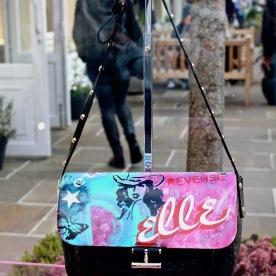IZa Zaro customise un sac Vanessa Bruno