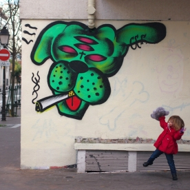 Sarcé - Street Art Dogs