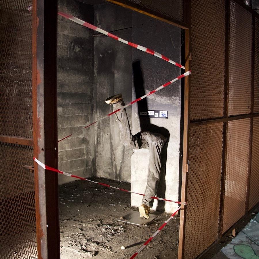 Droit dans le mur by CAJ